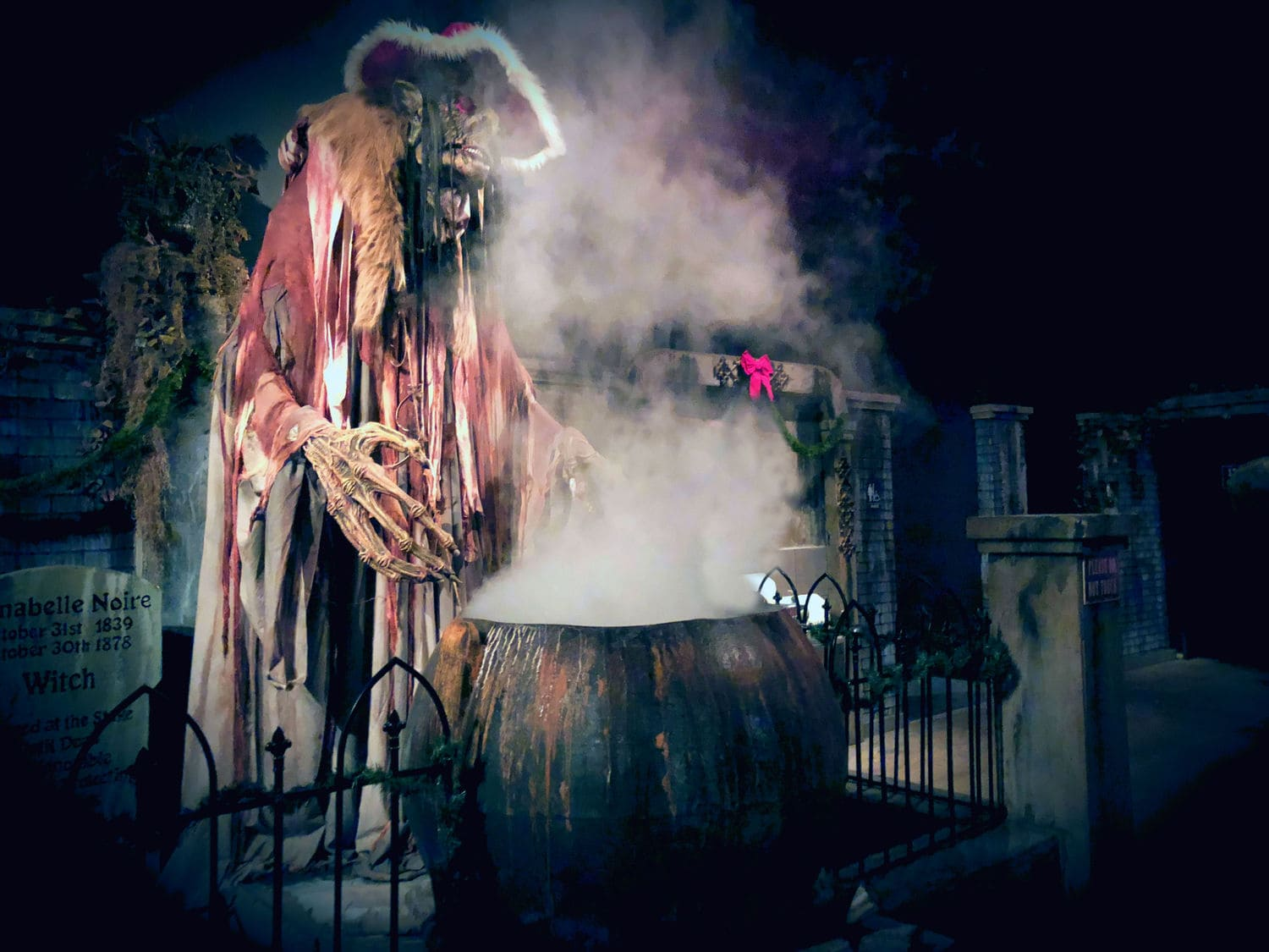plano texas dark hour wreck the halls haunted house christmas holiday attraction